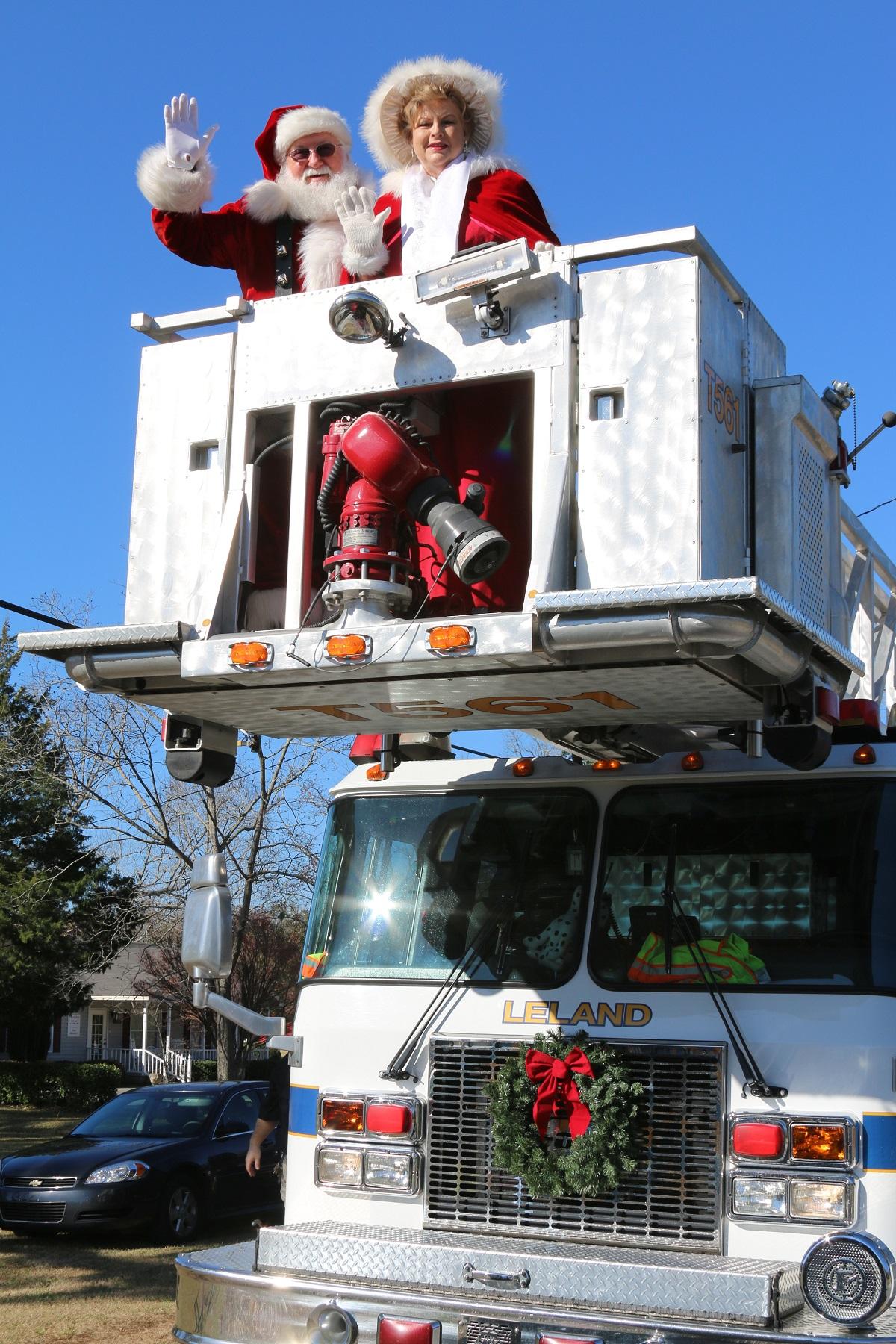 Leland Christmas Parade 2020 Leland Santa and Christmas Parade | Life In Brunswick County