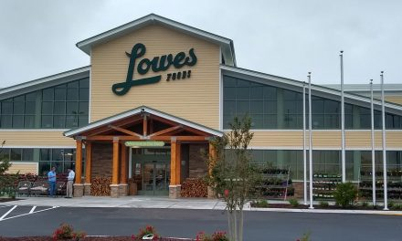 Lowes Foods Opens in Southport